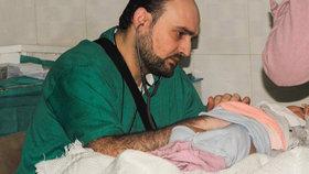 """Nálet na nemocnici v Sýrii: Zemřel """"nejlepší pediatr v Aleppu""""."""