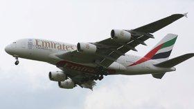 Přistání Airbusu A380 z Dubaje v Praze (1. května 2016)