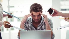 Práci na počítači zvládá jen pětina Čechů.