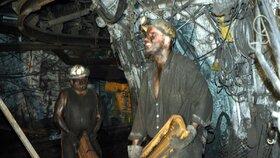 Těžká práce horníků možná v OKD brzy skončí. Nedobrovolně, kvůli krachu.
