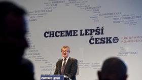 Andrej Babiš na pražské konferenci hnutí ANO, která zahajuje předvolební kampaně před krajskými a senátními volbami.