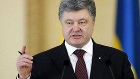 Kyjev hlásí zničení teroristické skupiny: Oslavy výročí konce 2. světové války provázelo násilí.