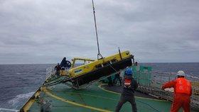 Pátrání po troskách letu MH370.