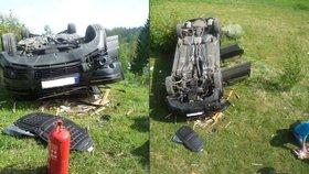 Asi si spletla brzdu s plynem: Auto spadlo z garážového stání i s řidičkou uvnitř.