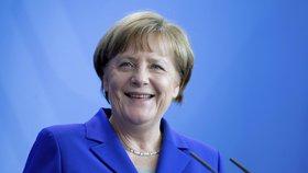 Angela Merkelová při setkání s prezidentkou Litvy Dalií Grybauskaiteovou v Berlíně