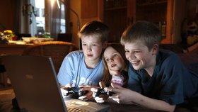 17 procent dětí a mladých od 11 do 19 let v Česku tráví hraním digitálních her čtyři a víc hodin denně.