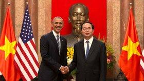 Barack Obama ve Vietnamu: Byli jsme nepřátelé, náš vztah nyní vzkvétá