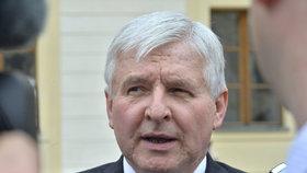 Prezident Zeman jmenoval Jiřího Rusnoka guvernérem ČNB.