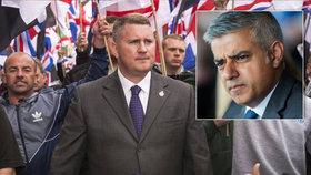 """Radikálové proti starostovi Londýna: """"Pryč s muslimskými okupanty,"""" volají"""
