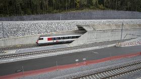 Nejdelší tunel světa měří 57 kilometrů a vede pod Alpami.