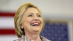 Clintonová jde jako historicky první žena do boje o post prezidenta.