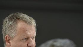 Ministr zdravotnictví Svatopluk Němeček (ČSSD) na tiskovce ve sněmovně