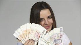 Osmdesát procent zaměstnanců bere mzdu mezi 12 117 Kč a 40 997 Kč.