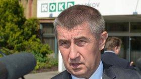 Ministr financí Andrej Babiš při návštěvě Dolu Darkov hovořil s odboráři a horníky z OKD.
