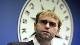 Robert Šlachta nevyloučil odchod ze služby. O slučování elitních policistů dopředu nevěděl.