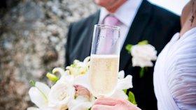 Víc než třetina nevěst a ženichů neuzavírala letos sňatek poprvé.