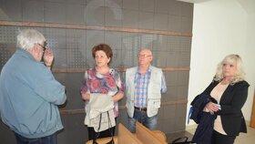 Rodiče Petra Kramného a obhájkyně Jana Rejžková čekali na jednání už hodinu předem.
