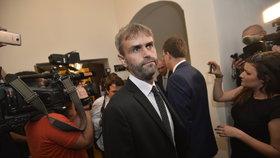 Robert Šlachta na jednání bezpečnostního výboru Poslanecké sněmovny 23. června 2016. Řešila se reorganizace policie.