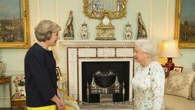 Do čela britské vlády dnes nastoupila Theresa Mayová, která je po Margaret Thatcherové druhou ženou v tomto úřadu v dějinách Británie.