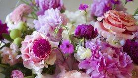 Jak si udělat květinovou aranž do vázy ze zahradních květin, aby vám dlouho vydržela