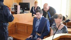 Američan Kevin Dahlgren u Krajského soudu v Brně, kde čelí obžalobě z čtyřnásobné vraždy.