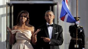 Michelle s manželem před Bílým domem