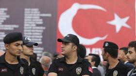 Údajný strůjce tureckého puče ponížen: Jeho rodiště předělají na toalety.