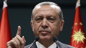 Turecký prezident Erdogan útok odsoudil.