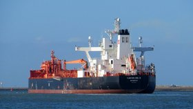 V Ománském zálivu zřejmě došlo k útoku na dva ropné tankery (ilustrační foto)