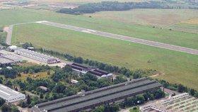 Letiště Vodochody s přilehlým areálem Aero Vodochody