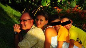 Mária s manželem Michaelem a syny Míšou a Nikolasem