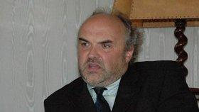 Ředitel Národní galerie Jiří Fajt žaloval Zemana, že ho nejmenoval profesorem.