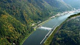 NKÚ v rámci aktuální kontroly prověřoval hospodaření ministerstva dopravy a jemu podřízených organizací Drážní inspekce, Drážního úřadu a Ředitelství vodních cest ČR (ŘVC) v letech 2015 až 2017.
