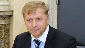Petr Bendl (ODS) přijde o 39 tisíc korun, které získal za šest dní v roli poslance na konci října.