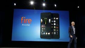 Šéf Amazonu Jeff Bezos představuje telefon Fire Phone