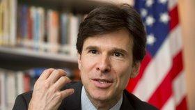 Končící americký velvyslanec Andrew Schapiro
