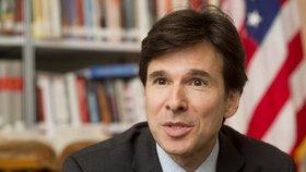 Bývalý americký velvyslanec Andrew Schapiro