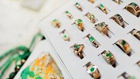 Cena smaragdu závisí nejen na jeho vlastnostech, ale také na osobě prodejce.