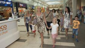 Blesk vzal děti na nákup školních potřeb.
