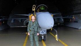 Kapitán Martin Špaček působí jako display pilot gripenu, tedy s licencí k předvádění pilotáže s tímto typem letadla na leteckých show už čtvrtým rokem.