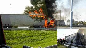 Rumunský kamion na dálnici D1 začal hořet, na místě zasahovali hasiči.