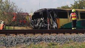 Při jedné z posledních nehod na železničním přejezdu se srazil vlak s traktorem ve Vnorovech na Hodonínsku. Traktorista zahynul, devět lidí se zranilo. Vlak vykolejil a začal hořet.