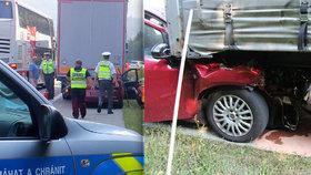 Náraz do kamionu řidič zázrakem přežil, tak skočil pod projíždějící autobus.