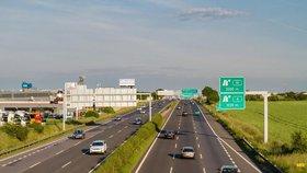 Z dálnic do konce srpna zmizí veškeré billboardy.
