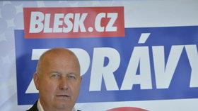 Oldřich Bubeníček (KSČM) při předvolební debatě Blesku