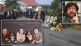 S Jaroslavem a Terezkou Šimpachovými se přišlo rozloučit přes pět set lidí.