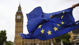 Británie si ponechá legislativu EU dočasně i po brexitu.