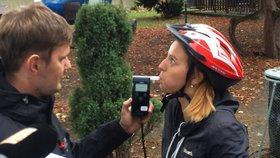 Poslanci řešili, zda si cyklisté mohou dopřát pivo či víno před jízdou.