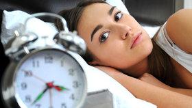 Trpíte nespavostí? Hrozí vám infarkt, mrtvice a duševní poruchy. Co s tím můžete dělat?