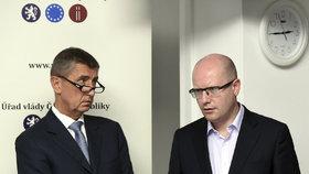 Andrej Babiš a Bohuslav Sobotka: Přestřelka šest měsíců před volbami